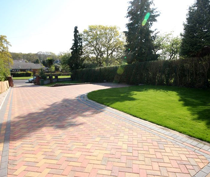 'Block paving in Broadstone'.