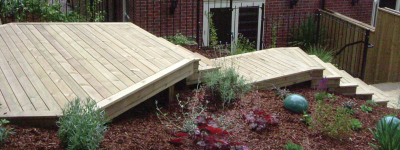 Decking and steps, with wood chip bedding